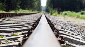 Binari ferroviari piegati, vecchia ferrovia Fotografia Stock Libera da Diritti