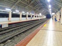 Binario della stazione di Abad Santos LRT1 Immagine Stock Libera da Diritti