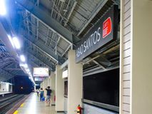 Binario della stazione di Abad Santos LRT1 Fotografie Stock
