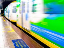 Binario della stazione di Abad Santos LRT1 Fotografia Stock
