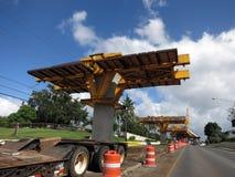 Binario di guida concreto di HART Light Rail in costruzione in cen della strada fotografia stock