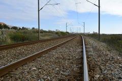 Binario ferroviario nella città Fotografia Stock Libera da Diritti