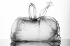 Bind een plastic zak Stock Afbeelding