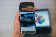 Bing-Website am Handy stockfotografie