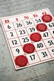 Bingokarte mit gewinnenden Chips. Lizenzfreies Stockbild