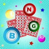 Bingokarte und -ball stockfoto