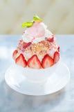 bingsu de croustillant de fraise Photographie stock libre de droits