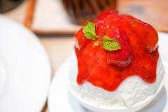 Bingsu del pastel de queso de la fresa foto de archivo libre de regalías
