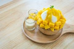 Bingsu mango Arkivbild