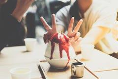 Bingsu ou Bingsoo est un dessert coréen populaire Photographie stock libre de droits