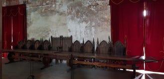 binnen één van hoofdzalen in het Corvin-kasteel stock foto's