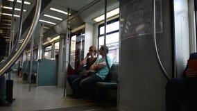 Binnen Berlijn s-Bahn stock videobeelden