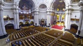 Binnen Berlin Cathedral (Berliner Dom), Duitsland stock video
