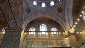 Binnen Blauwe moskee in Istanboel, Turkije