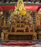 Binnen de boeddhistische tempel Stock Afbeelding