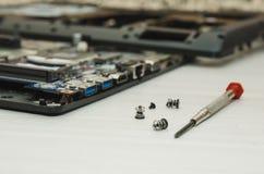 Binnen de computer Elektronische componenten van laptop stock afbeeldingen