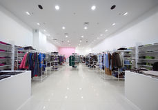 Binnen de grote winkel stock fotografie