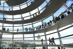 Binnen de koepel van het Duitse Parlement in Berlijn Royalty-vrije Stock Fotografie