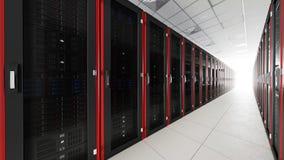 Binnen de lange tunnel van de serverruimte met helder eind Stock Afbeeldingen