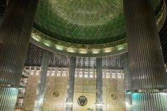 Binnen de moskee van Djakarta Stock Foto
