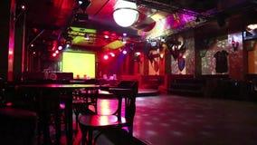 Binnen de nachtclub stock footage