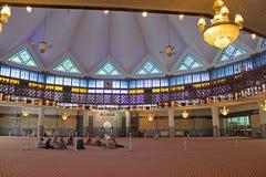 Binnen de Nationale Moskee van Maleisië, Kuala Lumpur Stock Afbeeldingen