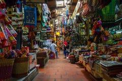 Binnen de Russische markt in Phom Penh, Kambodja Royalty-vrije Stock Afbeeldingen