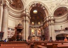 Binnen Dom Berliner, Berlin's-Kathedraal op Museumeiland dat wordt gevestigd stock afbeeldingen