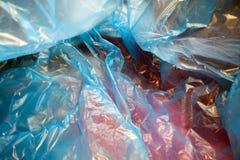 Binnen een beschikbare plastic zak Lichtgewicht transparant, opnieuw te gebruiken plastic afval Vuilniszak, plastic recycling, mi stock afbeeldingen