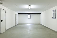 Binnen een garage Stock Afbeelding