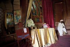 Binnen een monolithische kerk, Lalibela Stock Fotografie