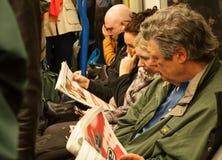 Binnen een ondergrondse trein van Londen Stock Afbeelding