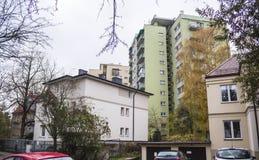 Binnen gebouwde huizen de jaren '20 en de jaren '30 van de 20ste eeuw in stad Warshau, Polen Royalty-vrije Stock Afbeelding