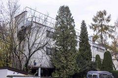 Binnen gebouwde huizen de jaren '20 en de jaren '30 van de 20ste eeuw in stad Warshau, Polen Royalty-vrije Stock Afbeeldingen