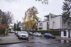 Binnen gebouwde huizen de jaren '20 en de jaren '30 van de 20ste eeuw in stad Warshau, Polen Stock Afbeeldingen