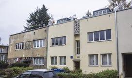 Binnen gebouwde huizen de jaren '20 en de jaren '30 van de 20ste eeuw in stad Warshau, Polen Royalty-vrije Stock Foto
