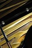 Binnen grote piano Royalty-vrije Stock Afbeeldingen
