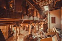 Binnen heilig de de 16de eeuwtempel van Heilige Tand met houten muren, Unesco-de Plaats van de Werelderfenis Stock Afbeelding