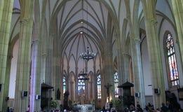 Binnen Heilige Peter? s Kathedraal stock afbeeldingen