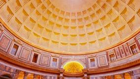 Binnen het beroemde Pantheon in Rome royalty-vrije stock afbeeldingen