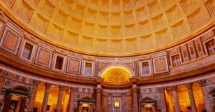 Binnen het beroemde Pantheon in Rome royalty-vrije stock fotografie