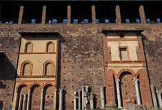 Binnen het Sforza-Kasteel Castello Sforzesco stock afbeelding