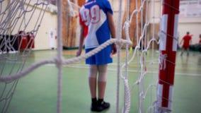 Binnen het voetbal van kinderen opleiding stock footage