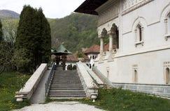 Binnen klooster Royalty-vrije Stock Afbeeldingen