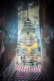 Binnen oude tempel in ruïnes, binnen een oude tempel Ayutthaya, Thailand Plafond en muur binnen Wat Ratchaburana, Ayutthaya stock fotografie