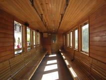 Binnen oude trein stock foto's