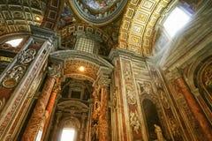 Binnen St. Peter Basiliek Royalty-vrije Stock Foto
