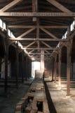 Binnen van de barakken van het Concentratiekamp van Auschwitz Birkenau Stock Foto's