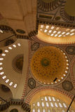 Binnen van de Blauwe Moskee van Istanboel - verticaal royalty-vrije stock afbeelding