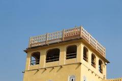 Binnen van Hawa Mahal of het paleis van winden in Jaipur India Het wordt geconstrueerd van rode en roze sandston royalty-vrije stock fotografie